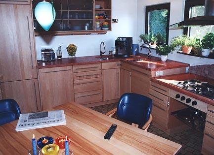 k che. Black Bedroom Furniture Sets. Home Design Ideas